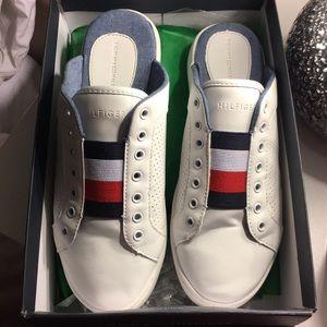 Like new Tommy Hilfiger slip on slides 6.5 shoes